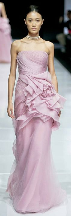 Vera Wang v Pink Fashion, Fashion Show, Fashion Dresses, Beautiful Gowns, Beautiful Outfits, Bridal Gowns, Wedding Dresses, Party Dresses, Glamour