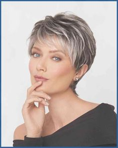 """How to style the Pixie cut? Despite what we think of short cuts , it is possible to play with his hair and to style his Pixie cut as he pleases. For a hairstyle with a """"so chic"""" and pointed… Continue Reading → Short Thin Hair, Short Hair Older Women, Short Grey Hair, Short Hair With Layers, Short Hair Over 50, Grey Hair Over 50, Short Pixie Hair, Hair Cuts For Over 50, Haircut For Older Women"""