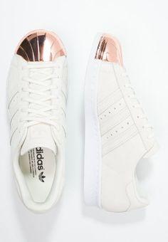 best cheap 8b94b 44d9e Coole Adidas Superstar Sneakers mit silbernen Highlights!   Stylight ♥  Sneakers   Superstars schuhe, Marken schuhe und Adidas schuhe