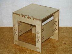 CNC-Hocker - zerlegbare Holzverbindung gefertigt auf einer computergesteuerten Oberfräse. http://www.ab-moebeldesign.de/wertstuecke/5400659a0410b7d03/d008.html