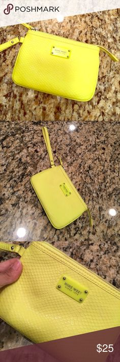 Nine West Neon Wristlet Lightly used wristlet. Neon. Fun for a night out. Nine West Bags Clutches & Wristlets
