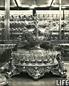 Abdine Palace In 1933 - Royal Crystal & Silverware (A) Old Egypt, Cairo Egypt, Ancient Egypt History, Egyptian Beauty, Alexandria Egypt, Royal Palace, Palace Interior, Palaces, Crystals