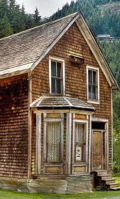 On a trip a few years ago to this ghost town, Sandon, BC. It was the coolest place I have visited in a long time. via Alexandra Morrison Photographic Artist Old Buildings, Abandoned Buildings, Abandoned Places, Old Farm, Haunted Places, Abandoned Mansions, Ghost Towns, Victorian Homes, British Columbia