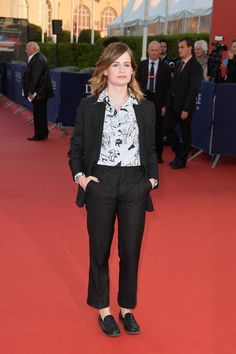 Style crush: Christine and the Queens. Christine And The Queens, Suits For Women, Crushes, Formal, Sexy, Pretty, People, Outfits, Collection