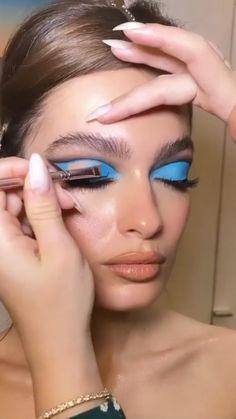 Dope Makeup, Edgy Makeup, Eye Makeup Art, Dramatic Makeup, Pretty Makeup, Spring Eye Makeup, Blue Eye Makeup, Unique Makeup, Creative Makeup Looks