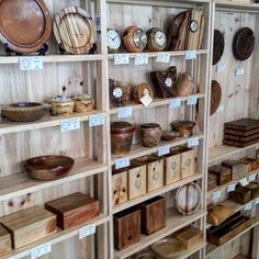 Beat the heat and pop on down tonight to have a few coldies at #nightquarter Helensvale and check out our woodwork stand for lots of cool things and heaps of cutting boards...all natural and all AUSTRALIAN MADE.  #helensvale #nightquarter #handcrafted #shopping #timber #wood #craft #recycled #australia #gift #food #cheese #bread #interiordesign #decor #brisbane #goldcoast #sydney #brisbane #melbourne #perth #adelaide #canberra #hobart #darwin #art #homewares