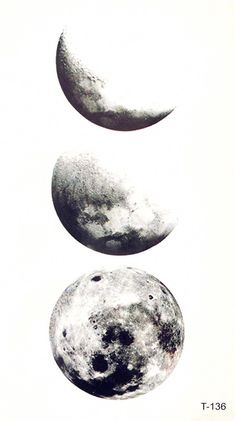 Schwarz-Weiß-Plakat mit Fotos vom Mond // Aquarell malen Mond Black and white poster with photos of the moon // Watercolor painting moon Black And White Posters, Black And White Prints, White Art, Black And White Stickers, Black And White Drawing, Black White, Tattoo Mond, 3 Tattoo, Small Tattoo