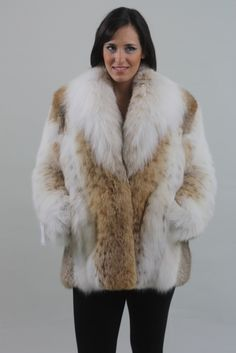 Blondes, Brunettes and Redheads! And a whole lot more. These are pics that I have collected over the years off the internet. Fox Coat, Fox Fur Jacket, Lynx, Fur Jackets, Fur Clothing, White Fox, Pull, Mantel, Beautiful Women