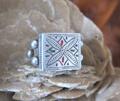 Old Morocco Tribal Solid Silver Ring with Enamel More Info: https://www.etsy.com/listing/236019837/old-morocco-tribal-solid-silver-ring BY INEKE HEMMINGA