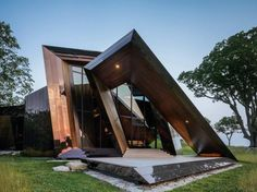 18.36.54 House: a Shiny, Angular Dream Home in Connecticut