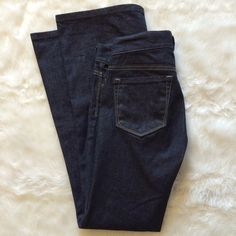 ❗️Brand new❗️Loft jeans size 0 petite. Brand new loft jeans with modern flare in excellent condition. Size 0 petite LOFT Jeans