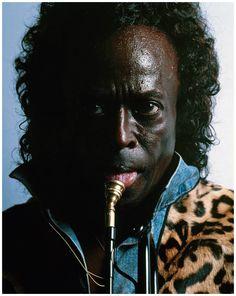nyarlotep: blueblackdream: Michel Comte, Miles Davis, 1989