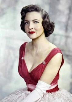 Miss Betty White... what a beauty! <3