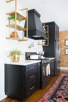 6 Helpful Hacks: Kitchen Remodel Plans Budget white kitchen remodel before and after.White Kitchen Remodel Granite Colors kitchen remodel before and after link. Home Decor Kitchen, Kitchen Cabinet Design, Kitchen Remodel, Kitchen Decor, Interior Design Kitchen, Kitchen Remodeling Projects, Home Kitchens, Kitchen Renovation, Kitchen Design