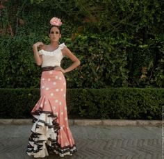 Susana Pages Spanish Costume, Spanish Dress, Old Fashion Dresses, Fashion Outfits, Dance Dresses, Girls Dresses, Flamenco Dresses, Flamenco Costume, Character Inspired Outfits
