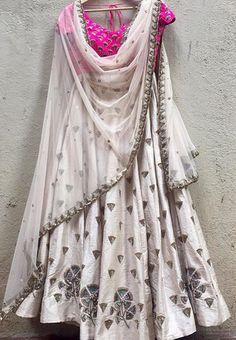 The Arpita Mehta collection .- The Arpita Mehta collection . The Arpita Mehta collection . Indian Dress Up, Indian Attire, Indian Wear, Indian Outfits, Indian Clothes, Golden Lehenga, Red Lehenga, Indian Lehenga, Bridal Lehenga