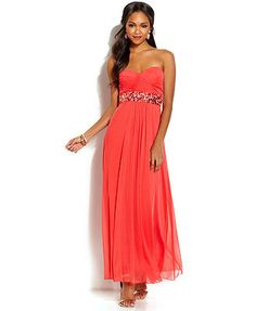 B Darlin Juniors' Strapless Sweetheart Gown