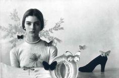 monsecret-lapoesiedemavie:    maudelynn:    Carmen Dell Orefice  by Irving Penn for Vogue    (via imgTumble)