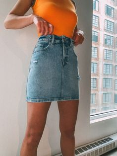 This High Rise Denim Skirt is an evergreen closet must-have. When spring and summer come around, you'll find yourself quickly reaching for this easy-to-wear Denim Skirt Outfit Summer, Denim Skirt Outfits, Cute Outfits, Denim Outfit, Summer Denim, Denim Skirts, Trendy Outfits, Fashion Models, Fashion Outfits