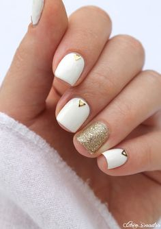 Gold and white nails #nailart #cocosnailss #triangles