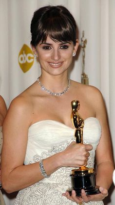 """2008 Best Supporting Actress - """"Vicky Cristina Barcelona"""""""