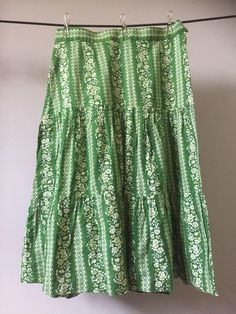 side sipper/size US by WifinpoofVintage on Etsy Hippie Vibes, Hippie Chic, Hippie Skirts, Vintage Cotton, Green Backgrounds, Autumn Summer, Flower Prints, Vintage Ladies, Sequin Skirt