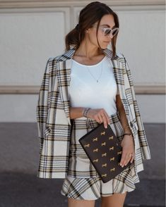 Shop Your Screenshots™ with LIKEtoKNOW.it, a shopping discovery app that allows you to instantly shop your favorite influencer pics across social media and the mobile web. Office Outfits, Fall Outfits, Daily Street Looks, Trends, Fit S, Louis Vuitton Monogram, Lifestyle, My Style, Pattern