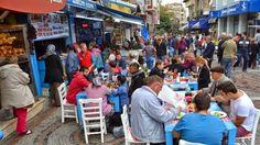 Devriye Haber : Yunanlıların Balık Ekmeğe İlgisi Artıyor