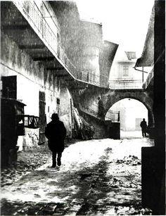 ROMAN VISHNIAC. Entrance to the Ghetto, Cracow, 1937