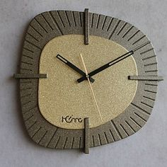 14 H Eternal Memory Metal Wall Clock - EUR € 49.49