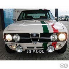 Alfa Romeo's Sports Sedan is a Future Classic: HagertyThe 2017 Alfa Romeo Giulia Quadrifoglio has Alfa Romeo Gtv6, Alfa Romeo Cars, Alfa Romeo Giulia, Classic Sports Cars, Classic Cars, Design Hotel Paris, Automobile, Alfa Romeo Spider, Best Muscle Cars