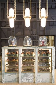 Compartés Chocolate Opens Dusky-Emerald Flagship in Los Angeles. Design Shop, Shop Interior Design, Retail Design, Chocolate Store Design, Chocolate Stores, Patisserie Design, Bakery Design, Cafe Restaurant, Restaurant Design