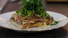 Eén - Dagelijkse kost - ciabatta-pizza met duxelles, brie en pancetta | Eén