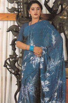 Indian Bollywood Actors, Beautiful Bollywood Actress, Most Beautiful Indian Actress, Bollywood Stars, Hot Actresses, Indian Actresses, Actress Anushka, Tamil Actress, Marathi Saree