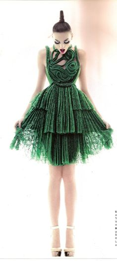 Love a good emerald green dress (God I wish I knew who the designer was...I LOVE this!)