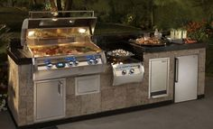 11 Best Outdoor Kitchen and Grill Ideas for Summer Backyard Barbeque Outdoor Kitchen Countertops, Outdoor Kitchen Bars, Outdoor Kitchen Design, Outdoor Kitchens, Small Kitchens, Bbq Island, Kitchen Island, Fire Island, Kitchen Grill