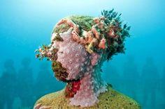 JasonDeCairesTaylor_Vicissitudes  verweerde onderwater-kunst