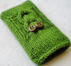 Knit phone case
