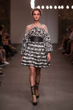 Zimmermann Primavera/Verano 2016, Moda para mujer - Desfiles (#22604)