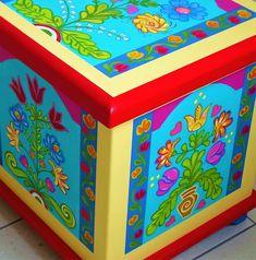 Hungarian tulip chest/ Tulipános láda www.artdekor.scsk.hu