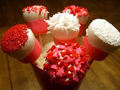 Strawberry Dipped Marshmallow Pops