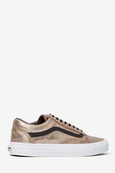 gold vans <3