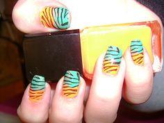 Konad Addict: Tropical zebra manciure
