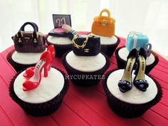 Shoes & Bags Cupcakes my third bag & shoes collection. i tried a prada bag & hermes birking bag. Love making them. High Heel Cupcakes, Purse Cupcakes, Makeup Cupcakes, Shoe Cupcakes, Cupcake Cakes, Elegante Cupcakes, Tiffany Cupcakes, Cupcake Photos, Cupcake Ideas