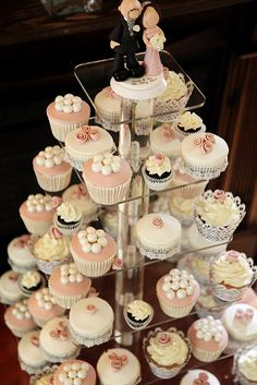 Vintage style wedding cupcake tower by Star Bakery (Liana), via Flickr