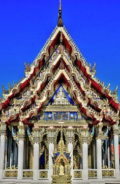 ✮ Wat Sao Thong Hin - Buddhist Temple - Indonesia - The detail on this is amazing!