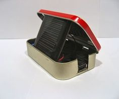 DIY solar-powered USB gadget charger in an Altoids tin, for >$20!