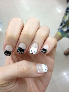 40 Holiday Nail Art Designs That Are Festive, Without Being Cheesy ~ Nails Only, Love Nails, Pretty Nails, How To Do Nails, Cat Nail Art, Cat Nails, Gel Nagel Design, Holiday Nail Art, Nagel Gel