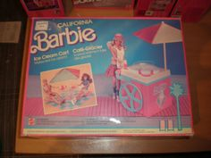 1987 Barbie Ice Cream Cart