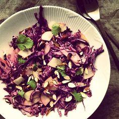 Louises køkken: Rødkålssalat med kaneldressing, salat